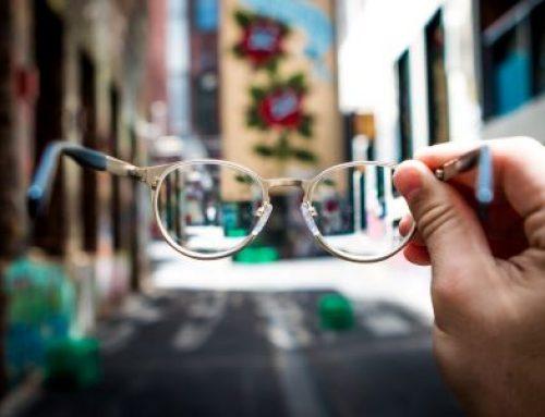 Cómo limpiar las gafas para que queden perfectas